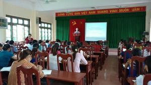 Lớp tập huấn truyền thông về giảm thiểu mất cân bằng giới tính khi sinh tại huyện Yên Thủy.