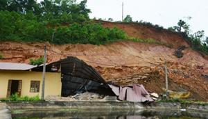 Hiện trạng hậu quả sau mưa lũ tại Yên Bái.
