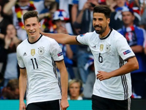 J.Draxler (số 11), một trong những tài năng trẻ của bóng đá Đức.