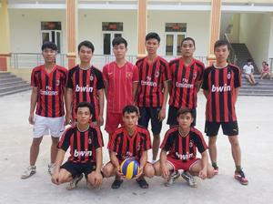 Đội bóng chuyền nam xã Kim Bình thường xuyên thi đấu đạt thành tích cao  tại giải bóng chuyền huyện Kim Bôi tổ chức.
