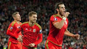 Niềm vui chiến thắng của các tuyển thủ Xứ Wales.