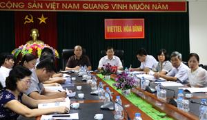 Đồng chí Bùi Văn Cửu, Phó chủ tịch UBND tỉnh chủ trì tại điểm cầu Hòa Bình.