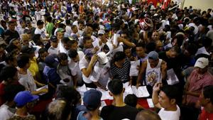 Các đối tượng buôn bán và sử dụng ma túy Philippines ra đầu thú cảnh sát hồi giữa tháng 7