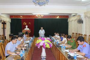 Trưởng Ban Nội Chính Tỉnh ủy, Phó trưởng BCĐ CCTP tỉnh Đinh Quốc Liêm triển khai kế hoạch kiểm tra công tác CCTP tại Thành ủy Hòa Bình.