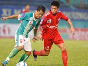 Lee Nguyễn và đồng đội không thể đánh bại Navibank SG.