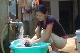 Được Nhà nước quan tâm đầu tư người dân xã Tân Mỹ (Lạc Sơn) có đấy đủ nước sạch phục vụ cho sinh hoạt đời sống hàng ngày.