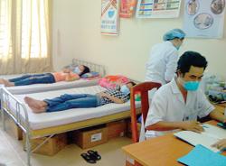 Học sinh bị cách ly điều trị tại trường do lây nhiễm cúm A/H1N1 năm 2009