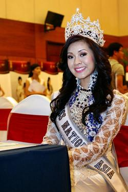 Hoa hậu châu Á tại Mỹ, Michelle Nguyễn tại cuộc họp báo