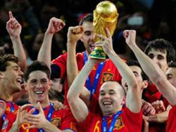 Tây Ban Nha tiếp tục giữ vững vị trí đội bóng số 1 thế giới