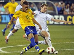 Neymar (số 11) trong màu áo ĐT Brazil