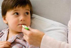 Có nhiều nguyên nhân dẫn đến sốt ở trẻ em.