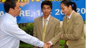 Lãnh đạo Tổng cục TDTT động viên Thanh Thảo trước ngày cô lên đường sang Singapore.