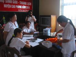 Hộ sinh tuyến y tế cơ sở thực hành chăm sóc trẻ sơ sinh