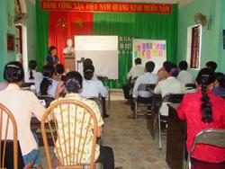 Lớp tập huấn cho cộng tác viên dinh dưỡng tại huyện Kim Bôi