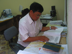 Ông Lê Văn Bàng đã gắn bó cả cuộc đời với công tác nghiên cứu lich sử Đảng.