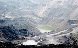 Khai thác than là nguyên nhân chính khiến môi trường Quảng Ninh bị ô nhiễm nghiêm trọng.