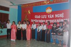 Nhóm nòng cốt truyền thông xã Cao Sơn và Thị trấn Đà Bắc giao lưu kiến thức