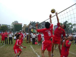 Giải bóng chuyền huyện Lạc Sơn thu hút 100% xã, thị trấn tham gia