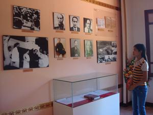 Khu di tích lịch sử cách mạng nhà máy in tiền thu hút được đông đảo khách đến thăm quan, tìm hiểu về truyền thống cách mạng của dân tộc.