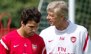 Giờ chia tay giữa Fabregas với thầy Wenger sắp đến!