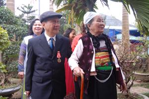 Suốt cuộc đời mình, ông Nguyễn Văn Hậu (trái) luôn kiên định trên con đường cách mạng của dân tộc.