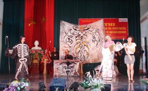 Phần thi tiểu phẩm của Đội hoạt động xã hội tình nguyện huyện Kim Bôi tại hội thi.