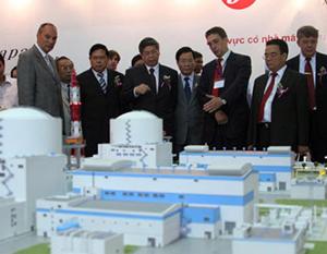 Mô hình nhà máy điện hạt nhân đầu tiên do Nga xây dựng.