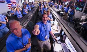 Niềm vui của các chuyên gia NASA.