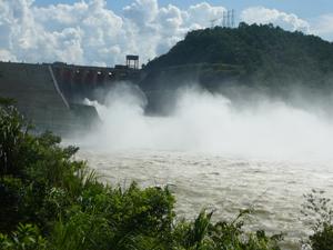Ngày 1/8, Thủy điện Hòa Bình tiến hành xả lũ để cắt lũ trên hồ Hòa Bình.