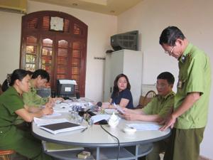 Đại diện tổ chức vi phạm (Công ty TNHH Thiên Ngọc Minh Uy)  được triệu tập làm việc tại trụ sở đội QLTT số 1.
