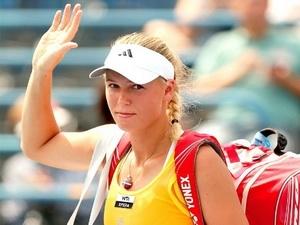 Caroline Wozniacki chia tay ngay từ vòng 1. (Nguồn: AFP)