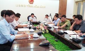 Các đại biểu tỉnh ta tham dự hội nghị trực tuyến.
