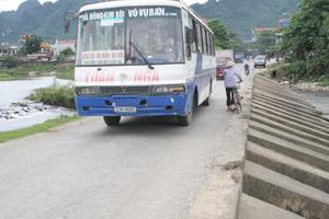 Ngầm thị trấn Bo có lưu lượng người và phương tiện giao thông qua lại rất lớn.