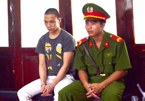 Tại phiên tòa Phúc Thẩm, Bùi Văn Tiến đã xin rút đơn kháng cáo, chấp nhận mức án 6 năm tù cho hành vi phạm tội của mình.