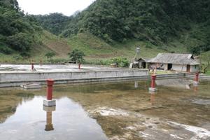Ba bể nước được xây dựng ở xã Hang Kia