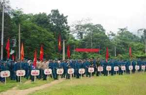 """Lực lượng DQTV huyện Mai Châu được xây dựng theo hướng  """"Tinh gọn, rộng khắp"""". Ảnh: Hội thao DQTV huyện Mai Châu năm 2013."""