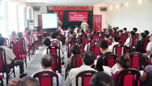 Gần 100 tổ chức, cá nhân hoạt động khai thác khoáng sản tham gia hội nghị.