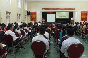 Lớp tập huấn viết đề tài sáng kiến giải pháp công tác năm học 2014 - 2015.