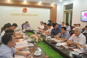Đồng chí Nguyễn Văn Dũng, Phó Chủ tịch UBND tỉnh và thành viên BCH PCTT&TKCN của tỉnh dự hội nghị trực tuyến.