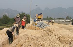 Thi công công trình cầu Nam Thượng.