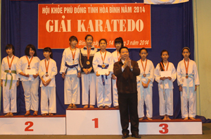 Các võ sinh của CLB đã giành HCV  tại giải karatedo Hội khoẻ Phù Đổng tỉnh năm 2014.