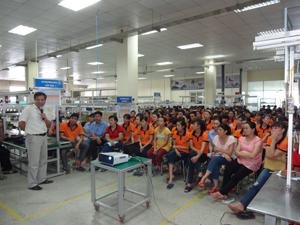 BQL các KCN tỉnh tổ chức huấn luyện ATVSLĐ tại Công ty TNHH Transon Việt Nam (KCN Lương Sơn).