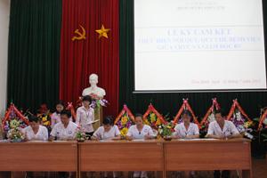 Trên 100 CBVC các khoa lâm sàng, cận lâm sàng ký cam kết với Giám đốc BVĐK tinh.