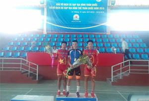VĐV Đinh Văn Linh (Hòa Bình) đoạt huy chương vàng giải xe đạp địa hình toàn quốc năm 2015.