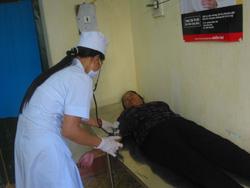 Bệnh viện Đa khoa huyện Tân Lạc khám bệnh cho người có thẻ BHYT