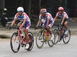 Các VĐV nam bứt phá ở chặng đua cuối