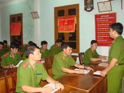 Công an huyện Lạc Sơn tăng cường công tác giáo dục chính trị tư tưởng cho cán bộ,  chiến sĩ