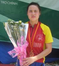 VĐV Bùi Thị Quyên đã giành chiếc HCV đầu tiên cho đoàn Hoà Bình tại giải đua xe đạp trong khuôn khổ Đại hội TD - TT toàn quốc lần thứ VI năm 2010.