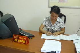 Trong công tác thuế, chị Hoà luôn cần mẫn tận tuỵ với công việc.
