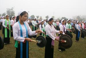 Màn trình tấu cồng chiêng trong dịp kỷ niệm 125 năm thành lập tỉnh, 20 năm tái tập tỉnh và lễ hội cồng chiêng lần thứ I sẽ được đề nghị ghi vào sách kỷ lục Việt Nam.